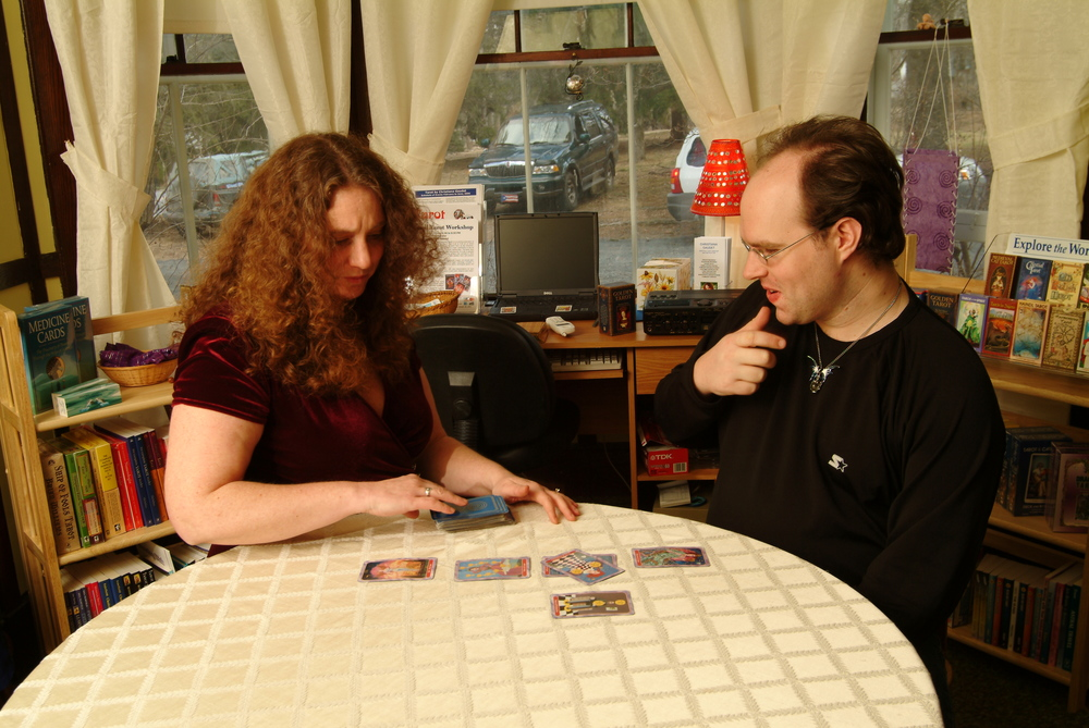 Answers to your Questions about Tarot: Which Way Should the Cards Face?