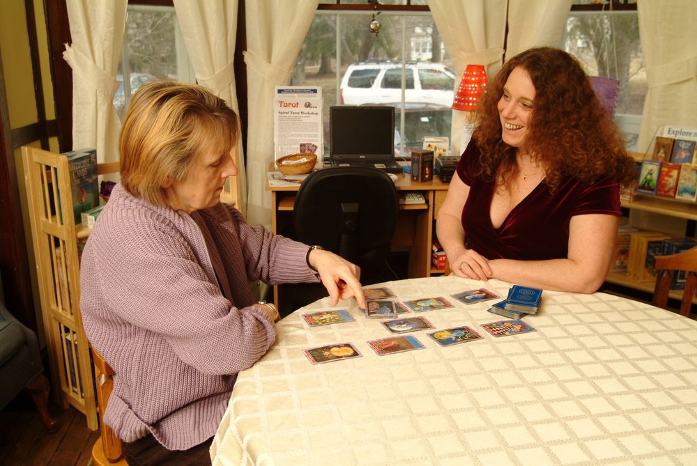 I am your Grandmother's Tarot Reader