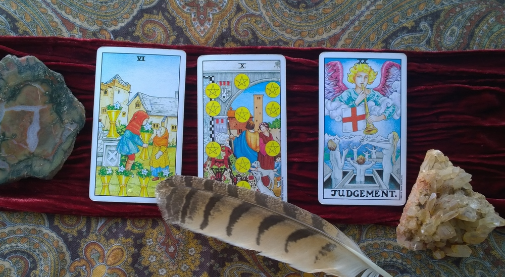 Three Tarot Cards that Help us Look to the Past