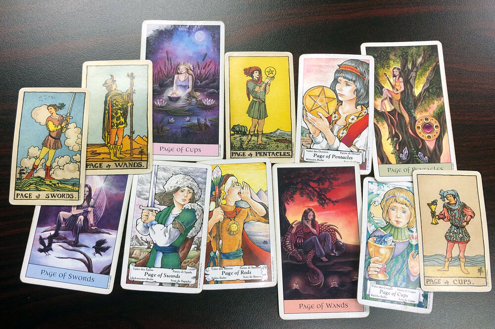 Reading the Tarot Pages